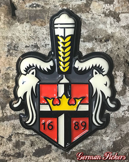Königsbacher Brauerei Wappen  Kunstoff - um 1960  ca 60 cm