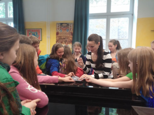 Lea Birringer bei Rhapsody in School