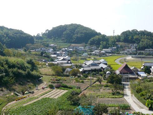お墓から見える村
