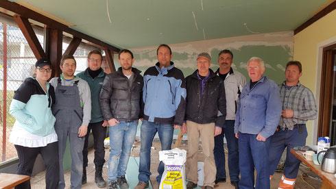 Ein Teil des Umbauteams (nicht am Bild: Ewald Leitner, Hannes Schriefl, Wolfgang Kois, Wolfgang Buchsbaum, Franz Tripolt)