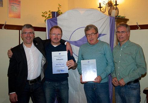 Jörg Kerst und Edmund Tümmel wurden für ihre 15-jährige Mitgliedschaft ausgezeichnet.