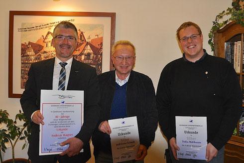 Andreas Wagner, Wolf-Dieter Schmidt und Stefan Mühlhausen wurden für ihre langjährige Treue zum ELV ausgezeichnet (v.l.n.r.).