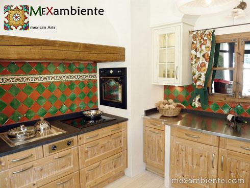 Mexikanische Fliesen als Fliesenspiegel in der Küche ...