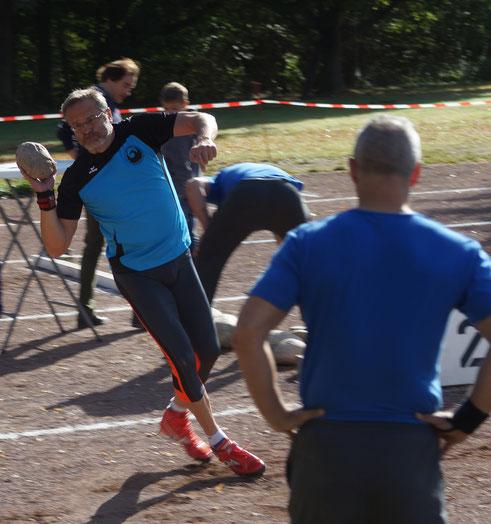 Dr. Klaus Lutter mit feiner Impulsschritttechnik.