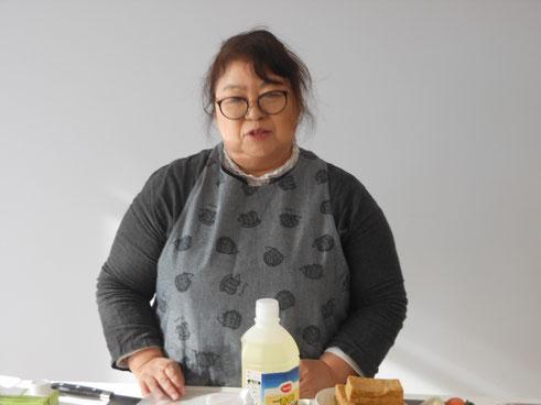 講師の千葉静さん。