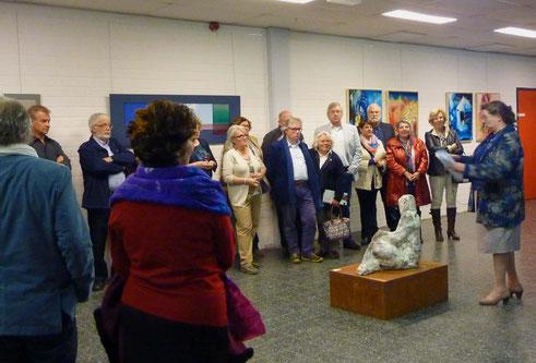 Rondleiding tijdens expo Apart nouveau 2 Serendipiteit, door Doris Schillings.