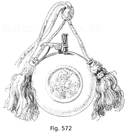 Fig. 572. Kleine Pulverflasche aus Elfenbein mit Pulversperre und lichtblauen Quasten. In der Mitte der Scheibe sind beiderseits Medaillons in Silber eingelassen. An der einen Seite erblickt man das Reliefbild Ernst Rüdigers von Starhemberg, des Verteidig
