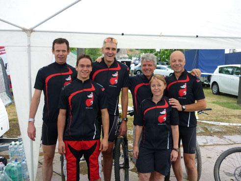 Von Links: Günter Tholen, David Bähm, Ralf Lippe, Jürgen Riehle, Sabine Szombach, Peter Jacob
