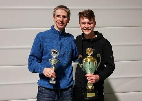 Neuer SG 03 Vereinsmeister Miles Rettig(r.) und der Zweitplazierte Timo Metz(l.)
