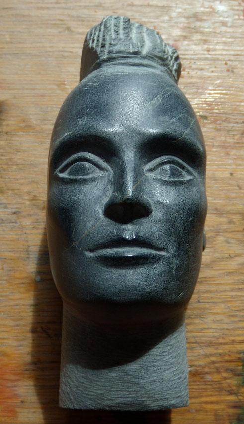 Kunst, Art, Skulptur, Speckstein, Kopf, Gesicht, Mann, Irokese, Schwarz, Sabine Wunderli,