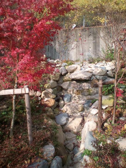 狭い庭 段差がある庭 広島 庭づくり