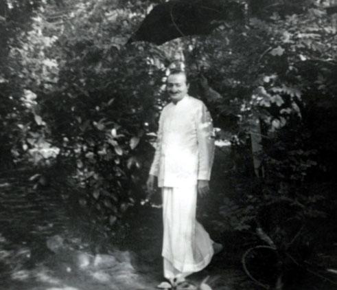 1952 : Meher Baba at the Meher Spiritual Center, Myrtle Beach, SC.