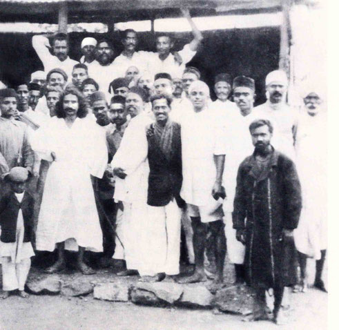 India : Raosaheb is at centre rear with his hand over Padri's shoulder. Courtesy of Lord Meher - p.1233