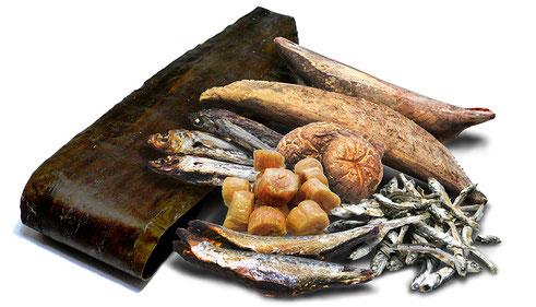 焼津・枕崎地方のかつお節 羅臼産昆布 国産干し椎茸
