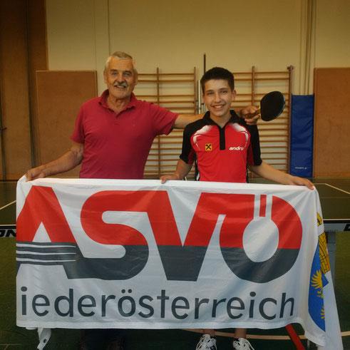 ASVÖ-Fachwart für Tischtennis in NÖ Helmut Faltinger begleitete Sebastian Auer nach Faak/See, wo der junge Sierndorfer wichtige Wettkampferfahrungen sammeln konnte.