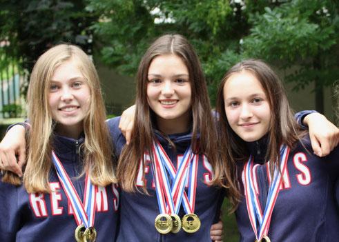 De gauche à droite : Emma MIKA, Cyrielle DARDÉ & Guillemette CALMUS