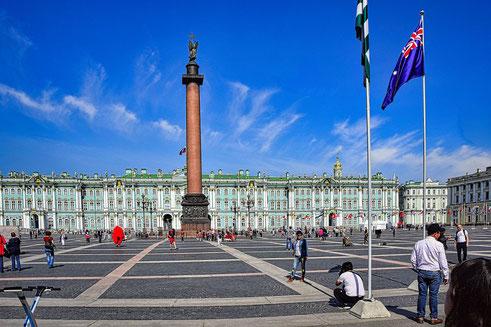 Foto Eremitage mit der Alexandersäule in Sankt Petersburg