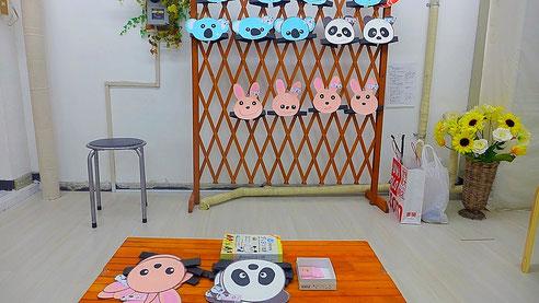 3種類のお面の中から自分の好きなものを選んでもらえるお面のコーナー、幼稚園児が担当しました。