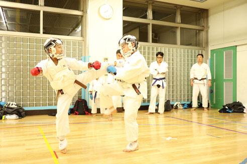 中目黒空手クラブ スポーツ組手の稽古1