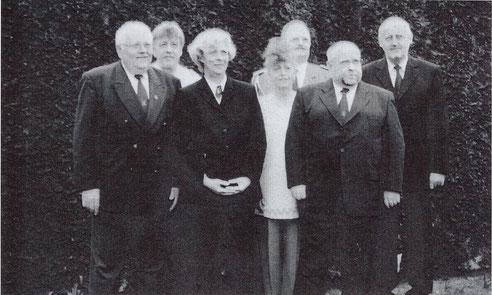 Vorstand 2004 v.l.n.r.: Hardy Howein, Manni Riedel, Birgit Laubrock, Karin Veldmann, Peter Klöpps, Horst Kämper, Ulrich Lücke (Manfred Holthöf)