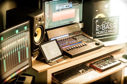 Studio, Tronstudio, Komposition, Audio, Editing, Aufnahmen, Sprache, Instrumental, Arrangement, Werbung, Orchestration, Musikproduktion, Mikrofon, Midi, Vocals, Ensemble, Pre-Amp, Audio-Logo, Sounddesign, Fürth, Recording, Filmton, Nürnberg, Dreamland