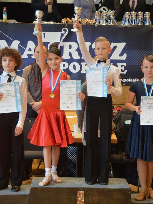 Latein Standard Tanzschule Kinder München tanzen Turniertanz Paartanz Hobbygruppen Aufführungen Tanzcamps Bayerischer Meister
