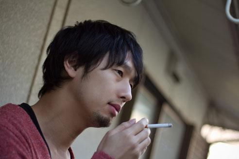 タバコを吸って頚椎ヘルニアになった奈良県御所市の男性