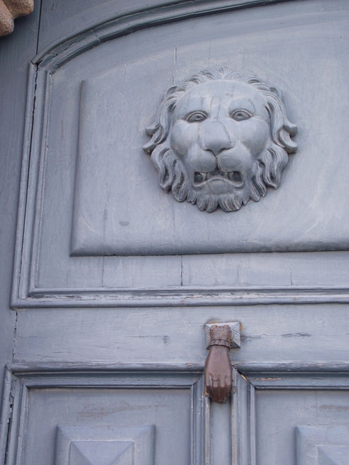 architecture Cusco Peru lion door