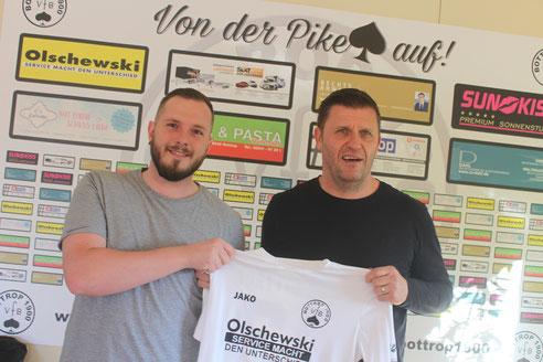 Kevin Schyra und Trainer Patrick Wojwod. Bild: Aufm Platz