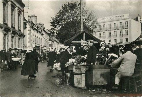 Audierne / Finistere Markt jeden Samstagmorgen. Frische bretonische Produkte
