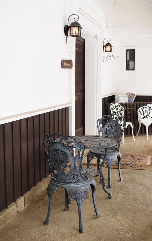 蔵のカフェレストラン清雅のエントンスの写真。細部にもこだわっています。