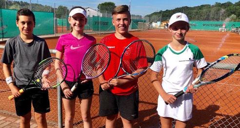 v.l.n.r.: Collin Todt, Emma Schmid, Luca Feges und Miriam Fries