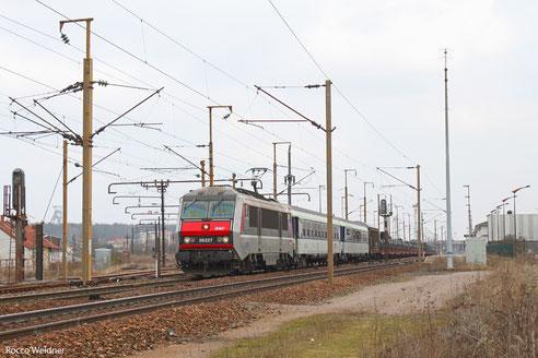 BB26227 mit 451102 Forbach - Metz (Sdl. Militär), Forbach 21.03.2012