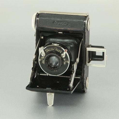 ZEISS Ikon Ikonta 520/18  1932-1935  ©  engel-art.ch