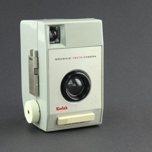 KODAK Brownie Vecta Camera  1962 - 1967  ©  engel-art.ch