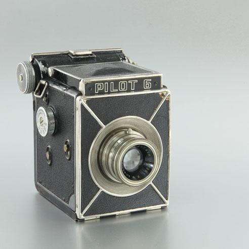 PILOT 6   1938  Kamera Werke Dresden   ©  engel-art.ch