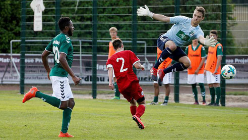 Tom Bleck im Trikot des VfB Lübeck / Fotocredit: Sportbuzzer.de