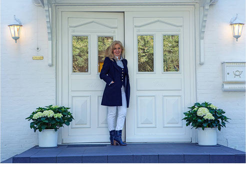 Modedesignerin und Modeberaterin Helga Hack