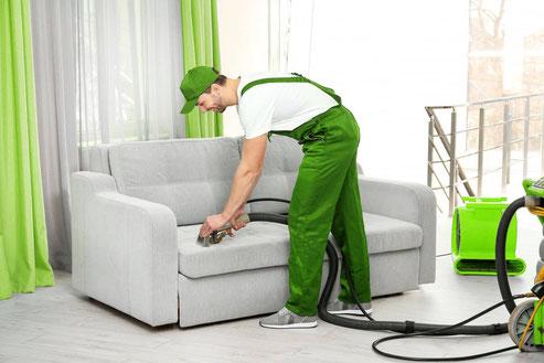 мастер по химчистке мебели и диванов