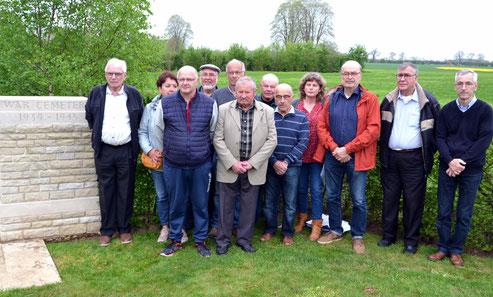 Les membres de l'association se sont rendus au cimetière de Banneville la Campagne pour préparer la logistique de la manifestation du 75e anniversaire du D-Day
