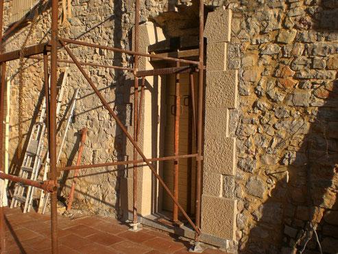 arc-surbaisse-encadrement-porte-pierre-taille-thoronet-var-83