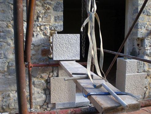 door-frame-stone-thoronet-var-83-carved-jamb-implementation