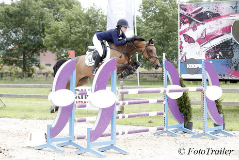 After her 2nd place in the Grand Prix, Abbie Sweetnam won the Small Tour ponies with Perseus Spartacus. Photo FotoTrailer
