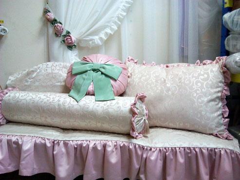Декоративные подушки, наволочки, валики.