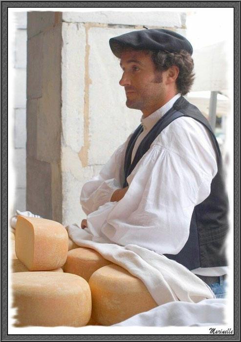 Berger Ossalois participant au concours fromager à la Fête au Fromage, Hera deu Hromatge, à Laruns en Vallée d'Ossau (64)