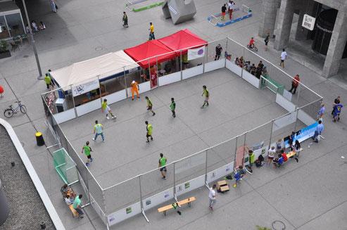 JARA Streetsoccerturnier `Kick it` am Bahnhof in Aarau