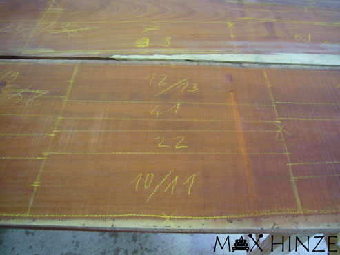 Klangplatten eingeteilt auf Rohholz, Max Hinze selbst gebautes Marimba selbstgebautes Marimbaphon DIY