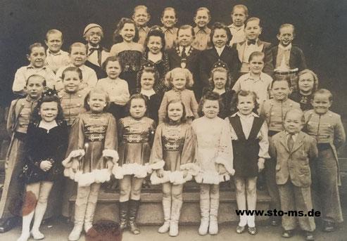 Varietè-Gruppe 1930er-1940er Jahre - Archiv Bernd Schürkötter