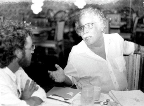 Daniel Santos conversa con su biógrafo, el escritor y periodista puertorriqueño Joseán Ramos.