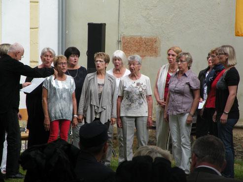 Wir beim singen des Uckermarkliedes in Strassburg, Östereich 2017